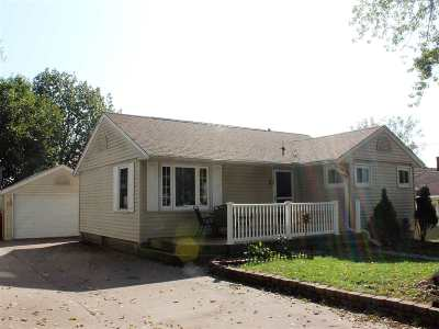 Clinton Single Family Home For Sale: 1619 N 6th