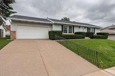 Davenport IA Single Family Home For Sale: $139,900