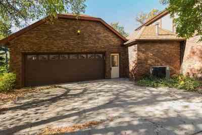 Bettendorf Single Family Home For Sale: 1840 Harding