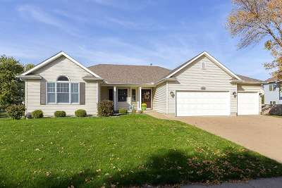 Single Family Home For Sale: 1104 W Donahue