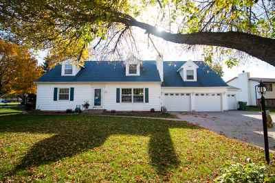 Single Family Home For Sale: 312 Park Lane
