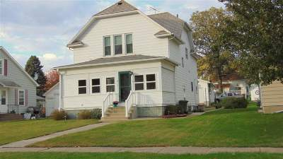 Single Family Home For Sale: 708 6th