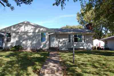 Clinton Single Family Home For Sale: 1228 3rd Ave N