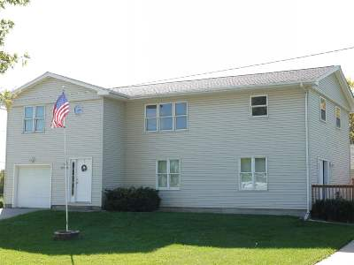 Bettendorf Single Family Home For Sale: 2606 Stafford