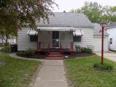 Clinton Single Family Home For Sale: 2813 N 3rd