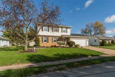 Eldridge Single Family Home For Sale: 224 W Oak
