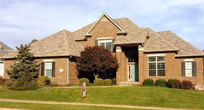 Bettendorf Single Family Home For Sale: 2103 Lundy