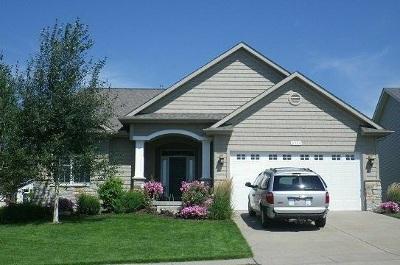 Bettendorf Single Family Home For Sale: 4324 E Kingston