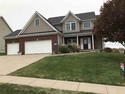 Bettendorf Single Family Home For Sale: 4092 Lilienthal
