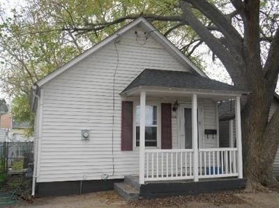 Davenport Single Family Home For Sale: 108 N Lincoln