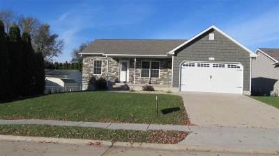 Davenport IA Single Family Home For Sale: $259,900