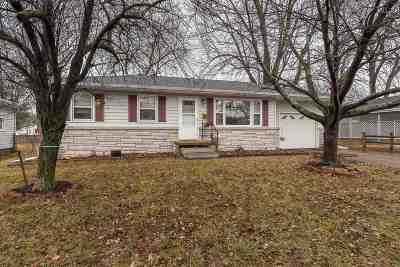 Camanche Single Family Home For Sale: 1402 4th