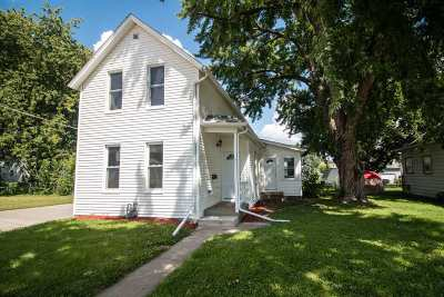 Davenport IA Single Family Home For Sale: $69,500