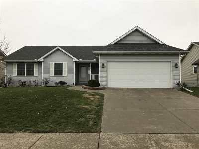 Bettendorf Single Family Home For Sale: 4472 Sapphire