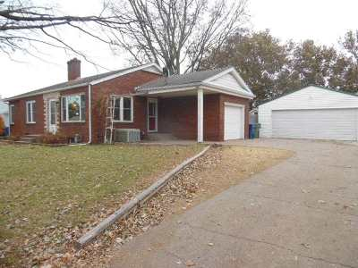 Clinton Single Family Home For Sale: 1311 Grandview