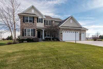 Bettendorf Single Family Home For Sale: 6181 Buckskin