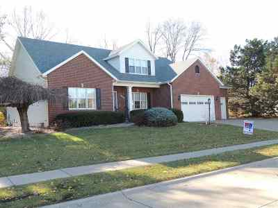 Bettendorf Single Family Home For Sale: 2553 Lincoln