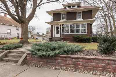 Clinton Single Family Home For Sale: 916-920 S 14th