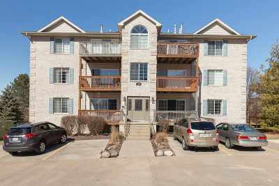 bettendorf Condo/Townhouse For Sale: 3043 Holiday