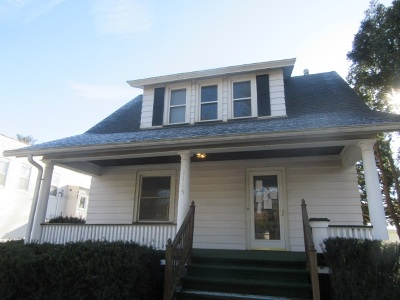 Clinton Single Family Home For Sale: 1115 S 7th