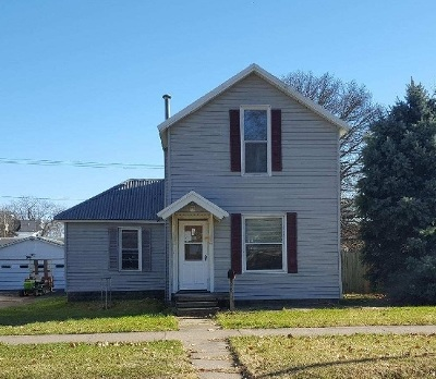 Clinton Single Family Home For Sale: 1703 Pershing