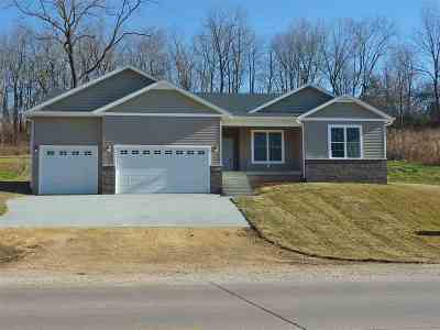 Davenport Single Family Home For Sale: 1215 Waverly