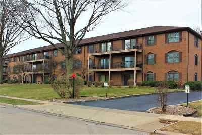 Bettendorf Condo/Townhouse For Sale: 1350 Kimberly Ridge
