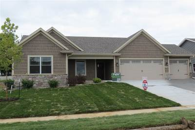 Bettendorf Single Family Home For Sale: 3774 Deckard