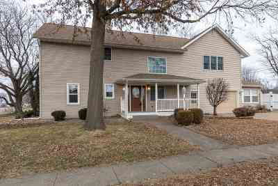 Clinton Single Family Home For Sale: 1212 11th Ave N