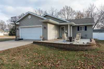 Camanche IA Single Family Home For Sale: $185,900
