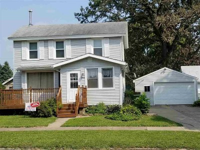 Clinton IA Single Family Home For Sale: $45,900