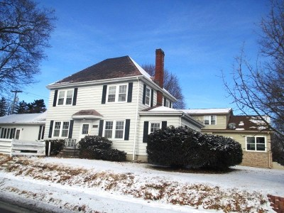 Clinton Single Family Home For Sale: 300 13th