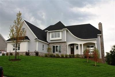 Bettendorf Single Family Home For Sale: 6877 Still Creek