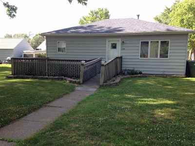 Clinton Single Family Home For Sale: 1338 15th Ave S