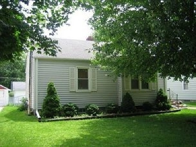 Clinton Single Family Home For Sale: 815 Park