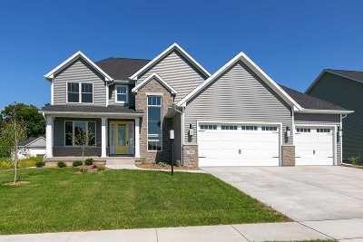 Bettendorf Single Family Home For Sale: 7051 St. Ann