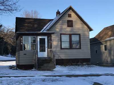 Clinton Single Family Home For Sale: 536 5th Ave N