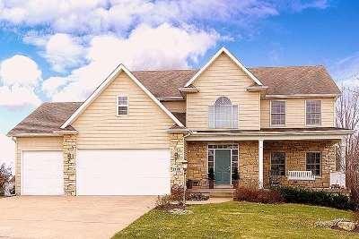 Bettendorf Single Family Home For Sale: 3319 Adele