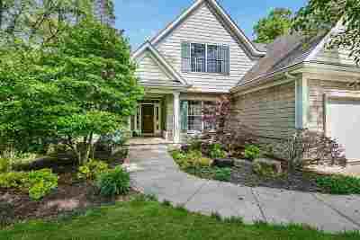 Bettendorf Single Family Home For Sale: 6859 Little Cabin