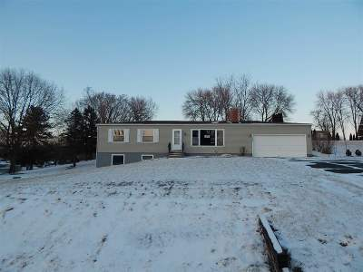 Bettendorf Single Family Home For Sale: 24710 195th
