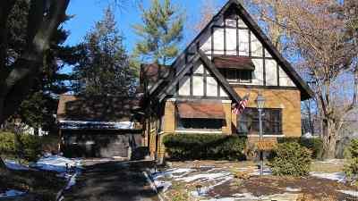 Bettendorf Single Family Home For Sale: 450 Grant