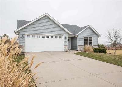 Davenport IA Single Family Home For Sale: $285,500