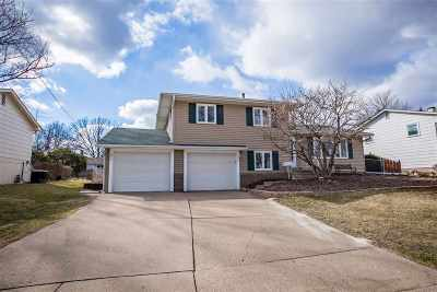 Bettendorf Single Family Home For Sale: 1730 20th