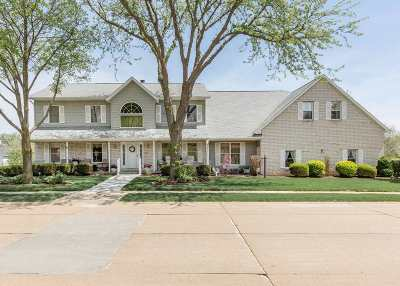 Bettendorf Single Family Home For Sale: 4323 Stone Haven