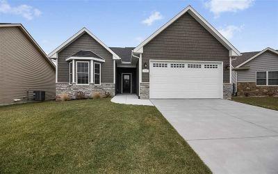 Davenport IA Single Family Home For Sale: $309,900