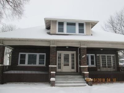 Davenport IA Single Family Home For Sale: $126,250