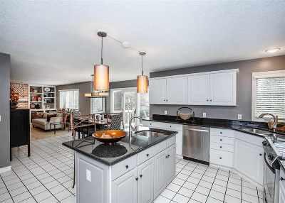 Davenport IA Single Family Home For Sale: $338,500