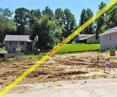 Le Claire Single Family Home For Sale: 506 Davenport