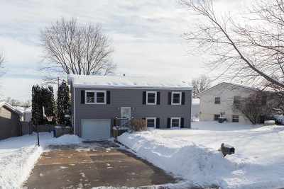 Le Claire Single Family Home For Sale: 1428 Glenwood