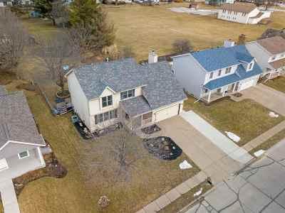 Eldridge Single Family Home For Sale: 542 W Valley